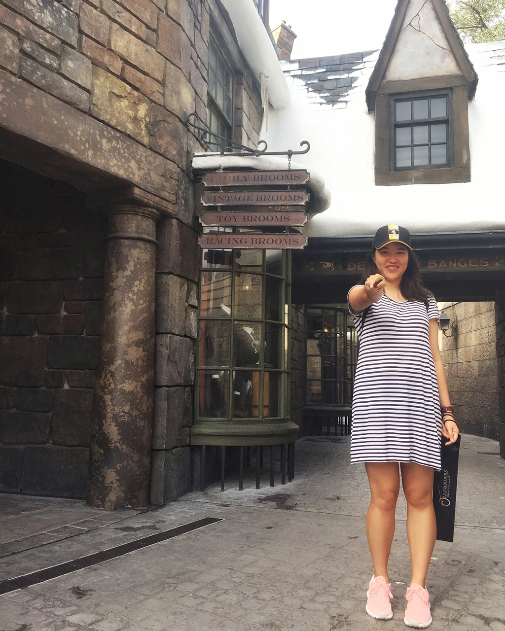 Hogsmeade - Journal With Me: Orlando @ Cissy's Art Café